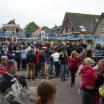 Hemelvaart motorrit: 160 motoren op het Doormanplein in Barendrecht