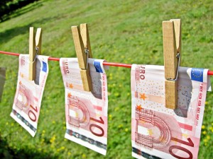 Briefgeld aan waslijn