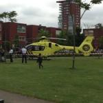 Traumahelikopter voor medische noodsituatie naar het Middeldijkerplein in Barendrecht (Carnisselande)