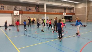 50 meiden doen mee aan Girls Only Sportinstuif in Barendrecht