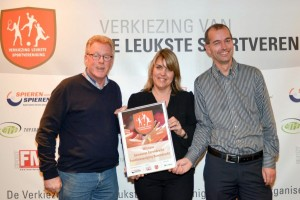 Tennisvereniging Barendrecht verkozen tot leukste sportvereniging 2015 in de gemeente Barendrecht