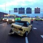 Persoon bekneld in voertuig bij ongeval op de A15 bij Barendrecht