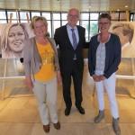 Burgemeester opent kunstexpositie over Koningspaar in gemeentehuis Barendrecht