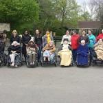 Studenten Edudelta met ouderen naar Diergaarde Blijdorp in Rotterdam