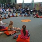 Zingen en dansen bij kleuterconcert van Harmonievereniging Barendrecht
