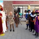 Sinterklaas opent nieuwe schoolplein van OBS De Draaimolen (Stellingmolen, Barendrecht)