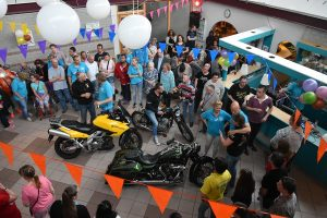 Ronkende motoren en €5.000 euro voor Danceclub The Hit