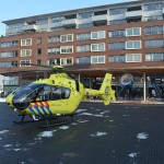Traumahelikopter land in Barendrecht voor inzet Platehaven (Carnisselande)